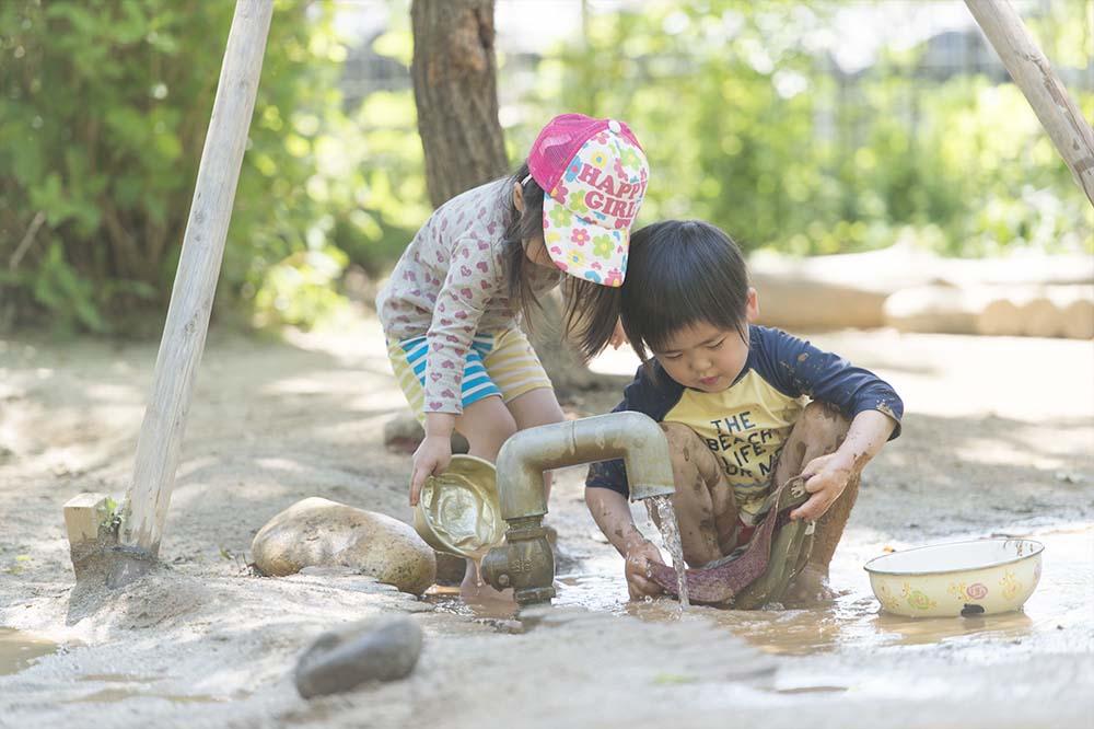 保育の特徴-水遊び